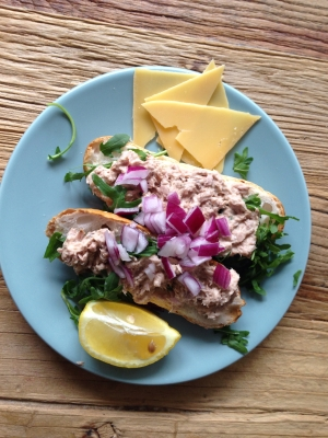Glutenvrij broodje met tonijsalade